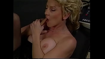 Gorgeous babe likes it when she get her wet pussy banged hard by a huge cock