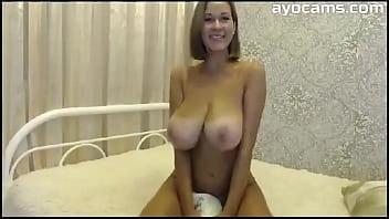 Big Natural Tits Mom on Webcam 10 min