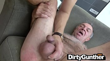 80 YO Gunther Gets Struck by Hot Twink with Generous Cock!