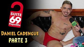 """#Suite69 - Sem roupa, Daniel Cadengue mostra toda ousadia em entrevista especial de carnaval - Parte Final - Instagram: @TVPapoMix <span class=""""duration"""">10 min</span>"""