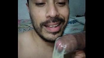 Miren cuanta leche le saque!!!