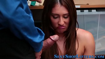 Teen amateur gives blowjob