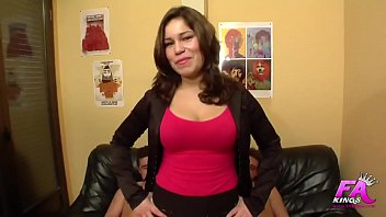 Laura Cruz loves cocks so much that she makes a Double Penetration in her debut 43 min