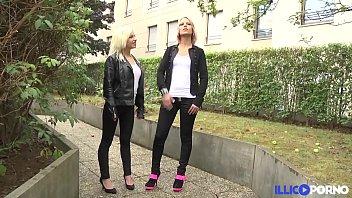 Baise sensuelle entre Patricia et Britney en attendant une grosse bite [Full Video]