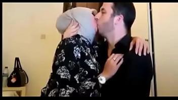 Jilbab cantik Vs Bule Full video https://ouo.io/xWdKP8