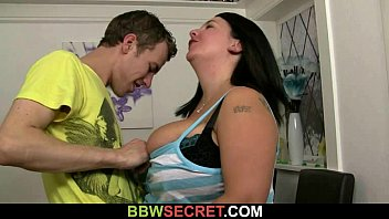 Married guy licks and bangs her fat pussy