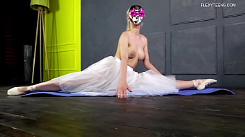 Manya Baletkina big tits blonde spreading legs