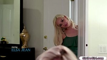 Bored Elsa Jean wants to lick her 19 yo roommate Lexi Lore