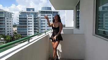 EROTIC DANCE IN TRANSPARENCY OF THE GODDESS IN MIAMI