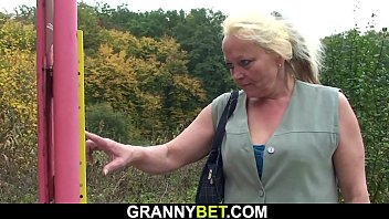 He Picks Up 70 Yo Old Blonde Granny For Sex