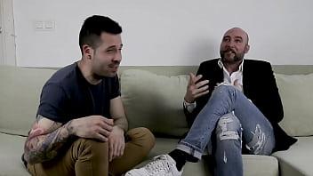 Hablando con un actor y director porno sobre trucos yretos sexuales Pablo Ferrari experto en sexo anal  Enlace a youtube en el video