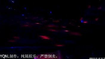 小县城洗浴内激情演出大开眼界堪比国外成人酒吧