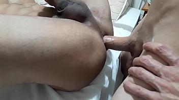 Casal gay foda bareback
