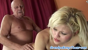 Chubby eurobabe banged by oldman on the sofa