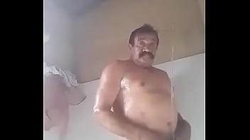 Coroas videos gay Meu tio bigodão gravou um video pra mostrar o quanto é gostoso