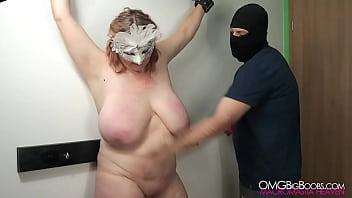 Amateur BDSM slave gets her tits punished 39秒