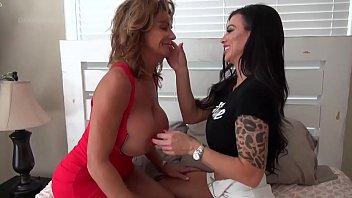 Deauxma Lesbian Fun with Melissa