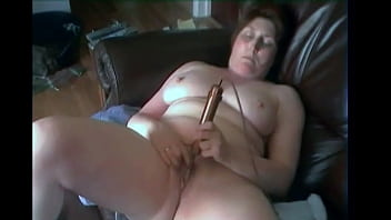 MATURE CHUBBY WIFE CUMS WITH HER VIBRATOR WHILST FILMED BY HER HUSBAND
