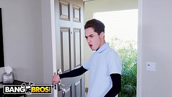 BANGBROS - Latin MILF Mercedes Carerra Fucks Delivery Guy Juan El Caballo Loco thumbnail