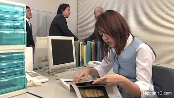 Office nude sex - Japanese babe gets fucked in the office