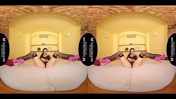 Solo milf, Cynthia Velons is using a vibrator, in VR