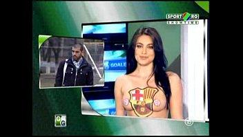 Goluri si Goale ep 5 Gina si Roxy (Romania naked news) thumbnail