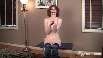 Streaming Video Slim Redhead Staci Plays With Her Knife - XLXX.video