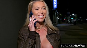BLACKEDRAW Hotwife hooks up with BBC while hubbys at home
