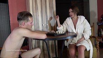Kitana Lur Vs. Potter - Chess Fight - Short