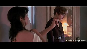 Nude female celebrates Jennifer jason leigh in single white female 1992