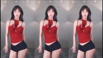 公众号【91公社】BJ winter 冬天|红色味道的女神,晃动的心神乱颤