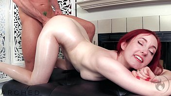 ARCHED: Flexible Redhead Penny Lay has oiled sex with Laz Fyre porno izle