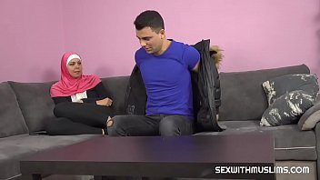 A horny guy fucks his Muslim sister-in-law thumbnail