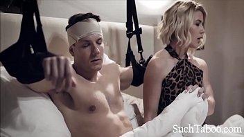 Moms Helping Hands - Kit Mercer porno izle
