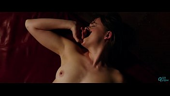Dakota Johnson - Nude in Sex scene from Fifty Shades Freed - (uploaded by celebeclipse.com) 10秒