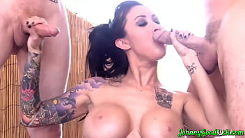 JOHNNYGOODLUCK Busty Inked Lily Lane Sucks Two Dicks Outdoor porno izle