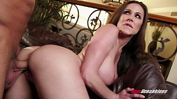 Kendra Lust Fucking Hung Step Son 14分钟