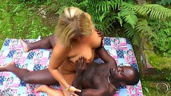 Black erotic hot pic porn - Die nadja hat zum hellen body auch noch ne braune latte
