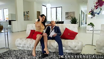 Trans guy Buck Angel gets drilled by shemale Chanel Santini thumbnail