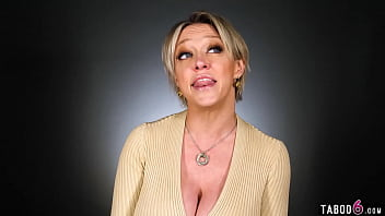 Huge boobs mature Dee Williams masturbation session