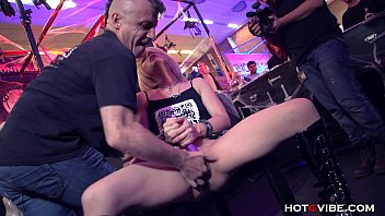 Expo convention 2000 porn sexual toys - Petite blonde squirts uncontrollably