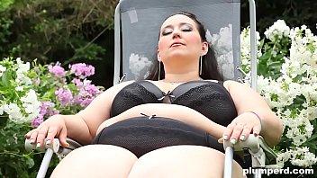 Obese slut facesits her anus on skinny creeper's face thumbnail