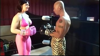 KING of INTERGENDER SPORTS 202 LB BODYBUILDER AMAZON VS MAN on UIWP ENTERTAINMENT INTERGENDER LUCHA MAN VS WOMEN