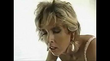 Angela Bangs strapon lesbians