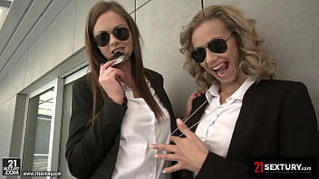 21Sextury Special Agents Veronica Leal And Tina Kay Stimulate Cock For DOUBLE CUMSHOT!