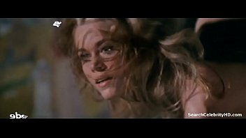 Jane Fonda in Barbarella 1968 83秒