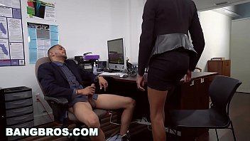 BANGBROS - Big Tits Ebony Babe Ivy Young Gets Ahead In The Office thumbnail