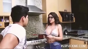 Madre teniendo sexo con su hijo (VIDEO COMPLETO...