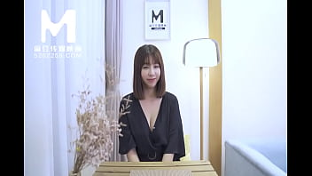 【国产】麻豆传媒作品 / 人妻挑战 / 免费看 6秒
