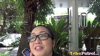 TRIKEPATROL Smart Asian Cutie Loves To Try New Things